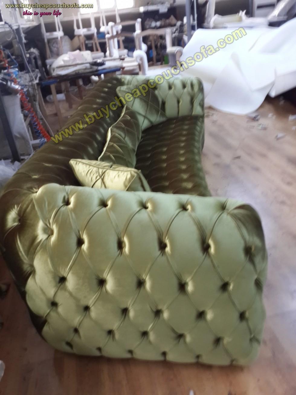 Kodu: 10251 - Luxury Chesterfield Sofa Green Velvet 4 Seater Curved Ultra Modern