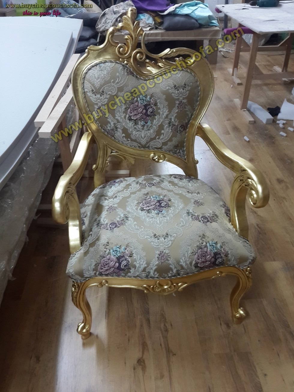 Kodu: 10238 - Luxury Curved Armchair Accent Chair Wooden Gold Leaf Polished