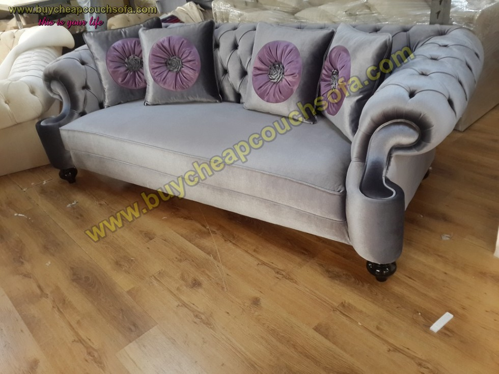 Kodu: 10241 - Suit Gray Velvet Luxury Chesterfield Sofa 3 Seats Couch 4 Pillow