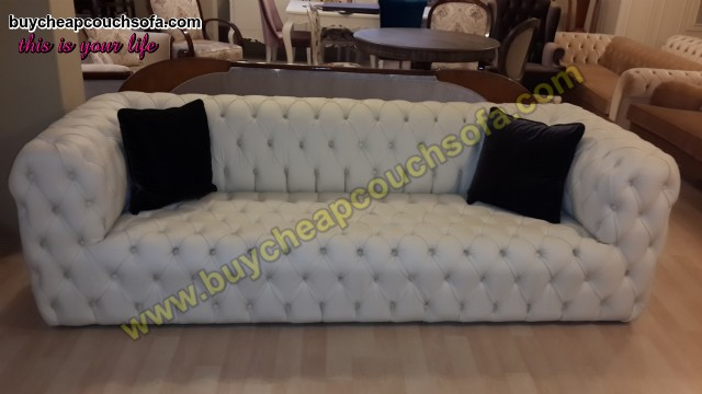 White Leather Modern Chesterfield Sofa Luxury Handmade Quilted Sofa